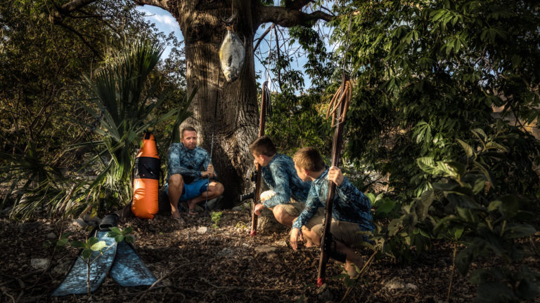 Spearfishing Youth kids learn to hunt